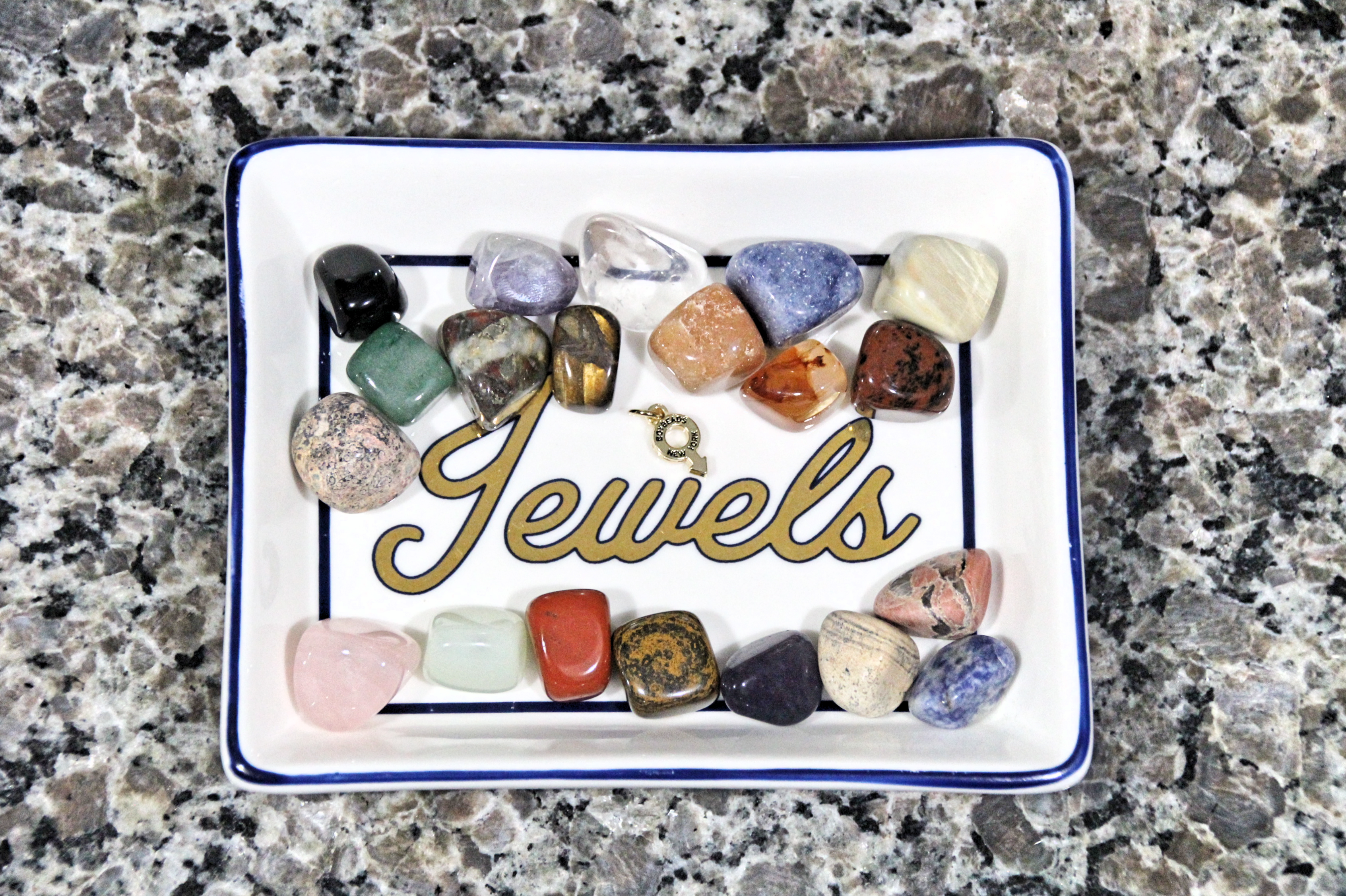 boybeads-natural-semi-precious-tumbled-stones-meditation-prayer-hot-stone-chakra-balancing-boybeads-new-york-stones-on-tray.png